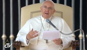 Papa Françoise 8_10_2014
