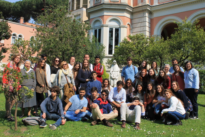 "Visit of the students of the JM School ""El Cuco"", Jerez de la Frontera, Spain on 6th April 2017."