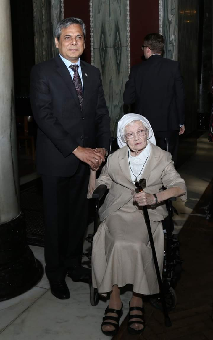 Irish nun honored for lengthy teaching career in Pakistan